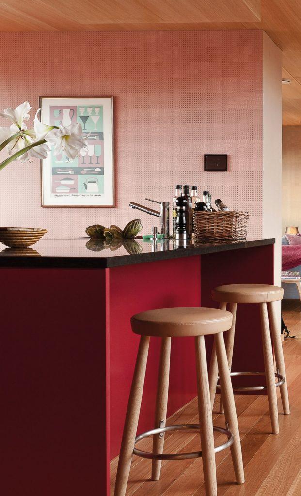 kjøkken-rødt-rosa-happyhomes